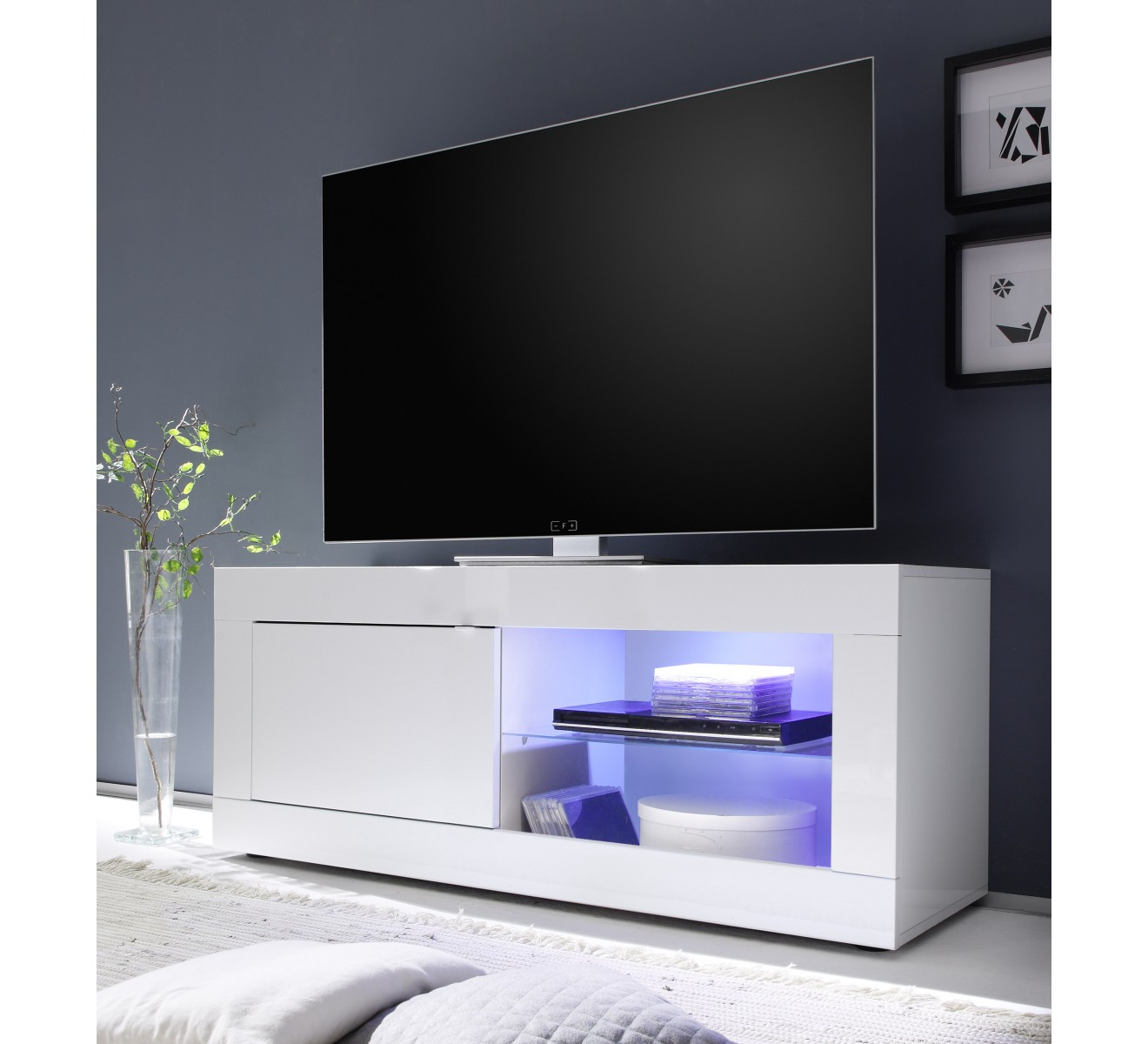 petit meuble tv laque 6387. Black Bedroom Furniture Sets. Home Design Ideas