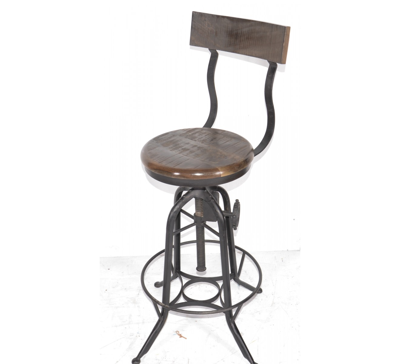 tabouret de bar industriel r glable avec dossier 39 atelier grey 39. Black Bedroom Furniture Sets. Home Design Ideas