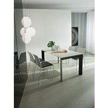Table moderne 160cm blanche et noire &quot;Kylie&quot;